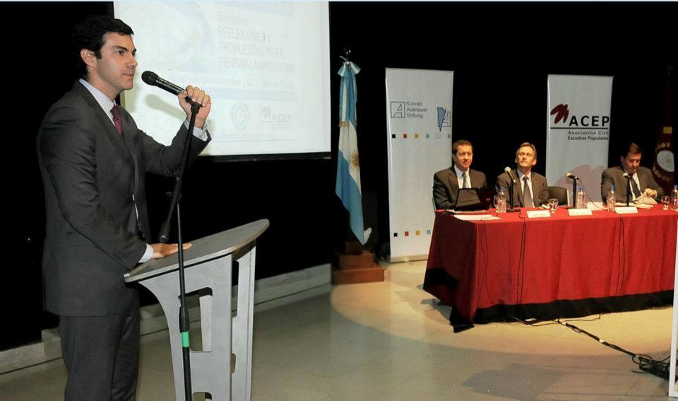 Gobernador Juan Manuel Urtubey en la presentación ACEP-KAS