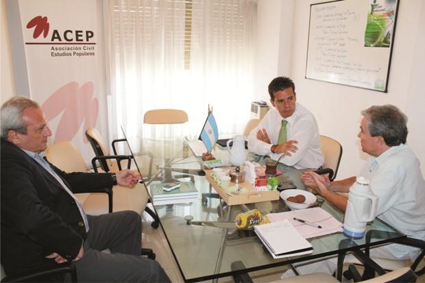 Reunión de trabajo en las oficinas de ACEP
